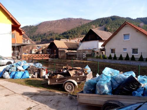 Jarné upratovanie vobci ačistenie rieky