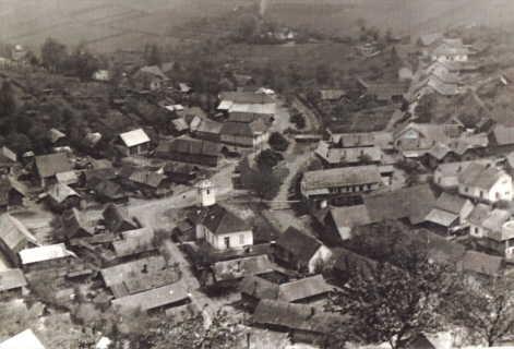 Jar 1955- pohľad navtedajšiu obec